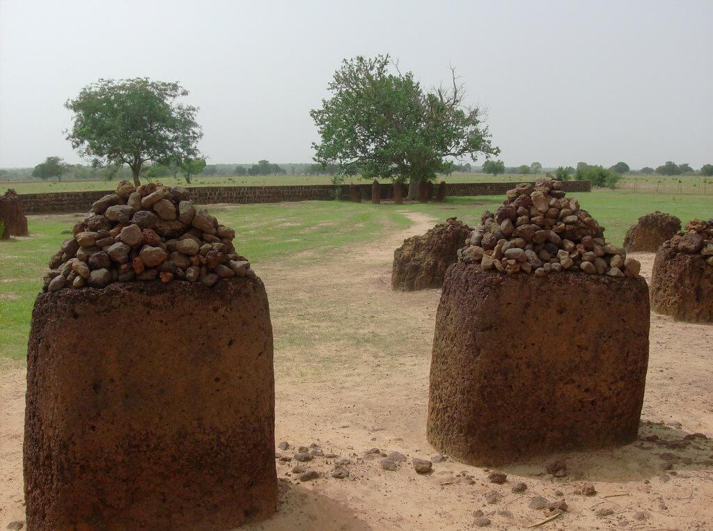 Каменные круги на границе Сенегала и Гамбии